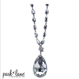 Crystelle Necklace
